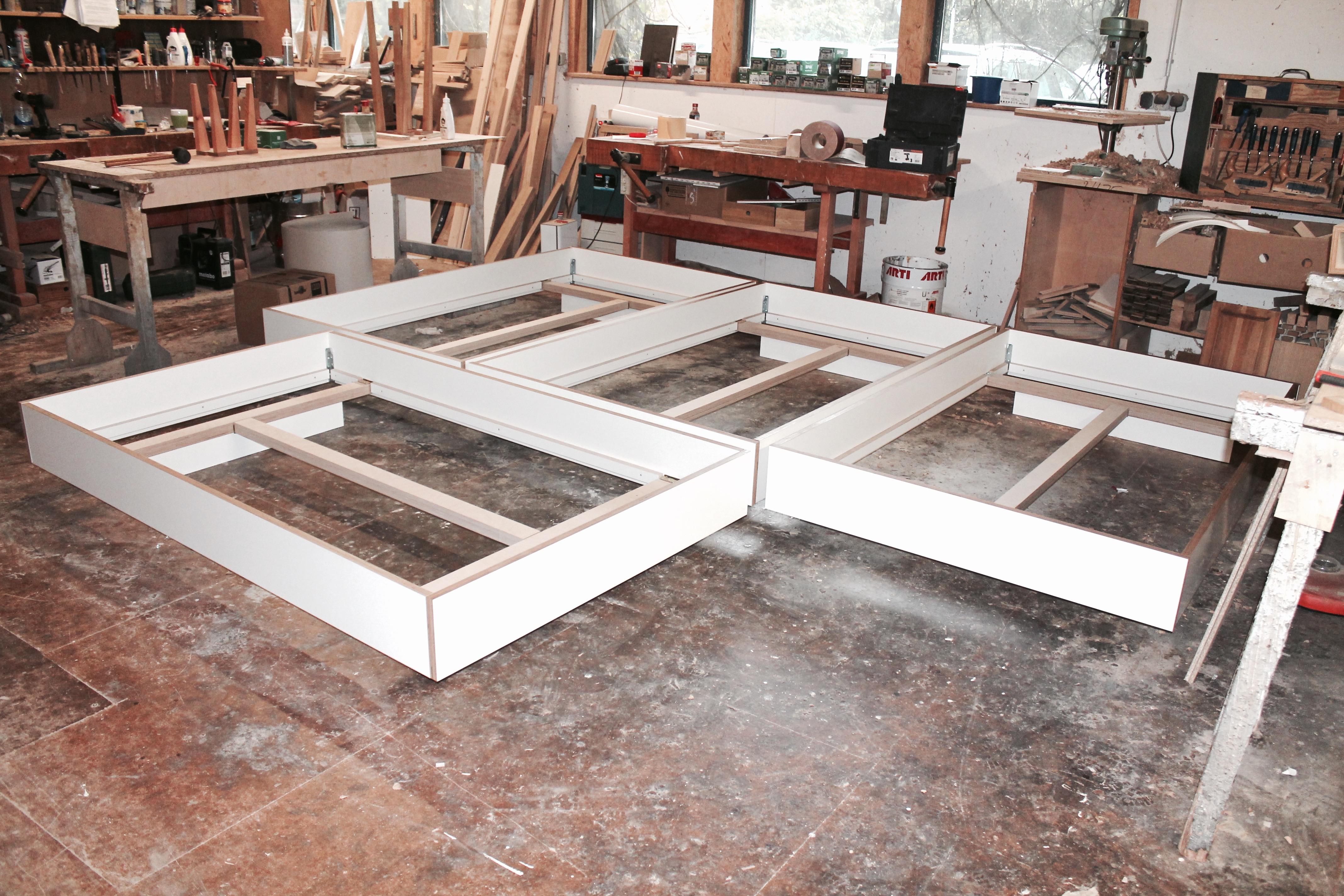 Fantastisch Bett Und Rahmen Galerie - Benutzerdefinierte ...