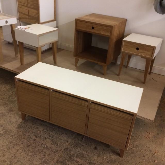 weie schuhbank affordable modern schuhbank wei eiche mit zwei schubladen auf vollauszug und. Black Bedroom Furniture Sets. Home Design Ideas
